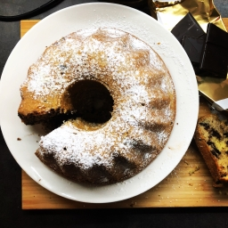 "Bundt cake (""bábovka"") with walnuts and chocolate"