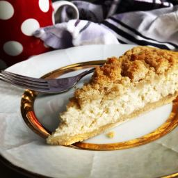 Quark cake with crumbs